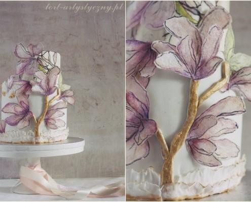 Ślubny tort z kwiatkami