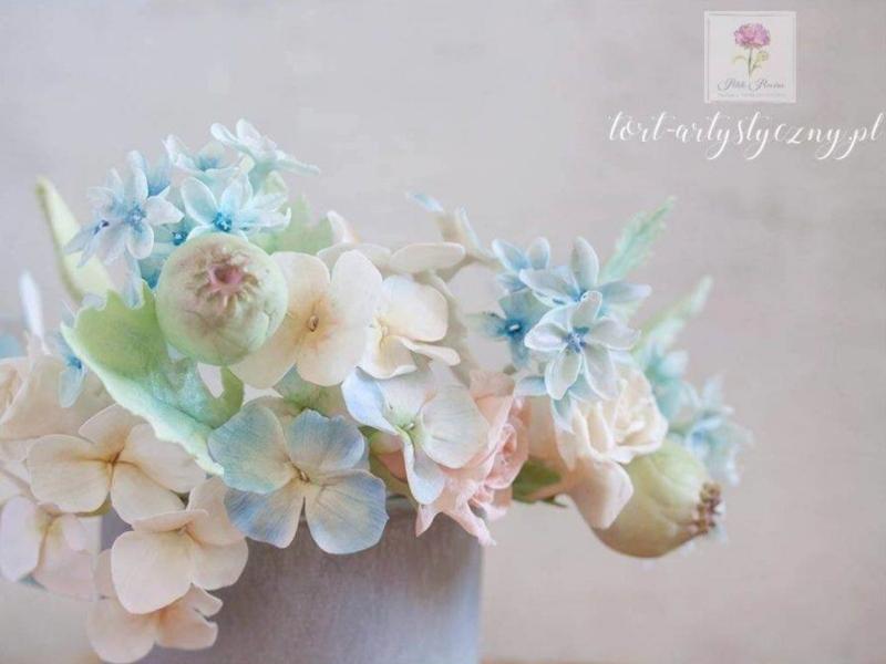 modelowanie kwiatów cukrowych