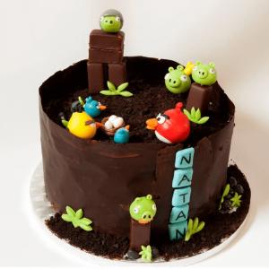 Tort dla dzieci i nastolatków z ptakami z gry