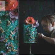 Zielony tort z kwiatami dla dziewczynki